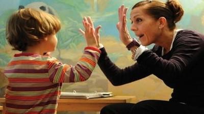 Otizmde Dil Desteği ve Konuşma Terapisi -Tedavisi